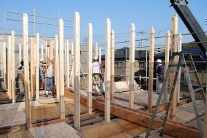 建前え当日:2階の柱建て