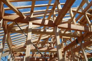 屋根を受ける梁組み
