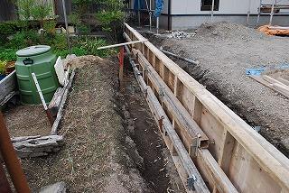 新築現場では土留め擁壁