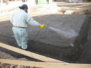 新築工事の防蟻薬剤散布処理