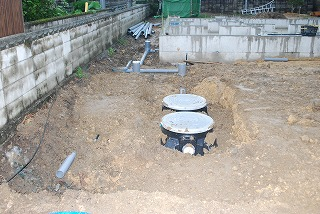 合併処理浄化槽の埋設
