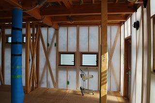 新築工事状況:外壁の断熱シート張り