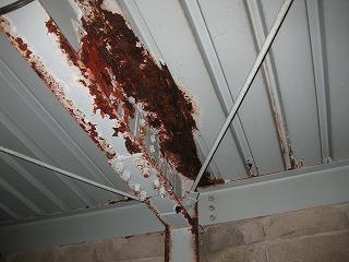 屋上スラブの雨漏り