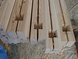 店舗新築現場の木材加工