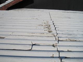 倉庫の屋根葺き替え