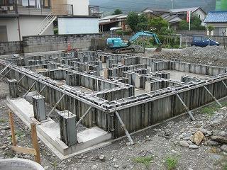 新築工事の基礎工事