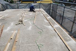 スラブ屋上へ屋根設置