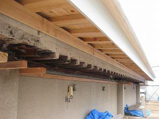 屋上スラブへ屋根設置工事