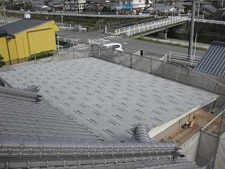 屋上スラブへの屋根設置工事