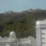 松山市役所からの県庁 と 松山城