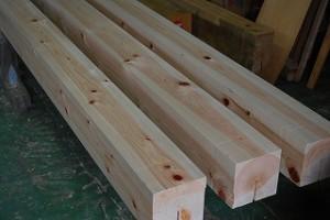 新築通し柱の加工
