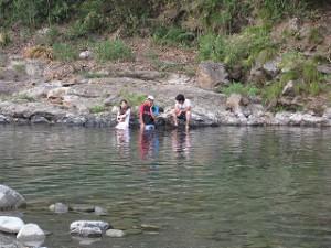 加茂川で泳ぐ話に