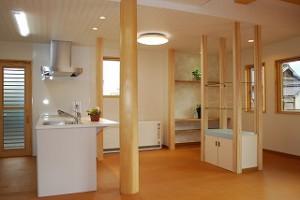 新築住宅の完成:リビング・ダイニング・キッチン