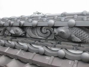 棟の水板飾り