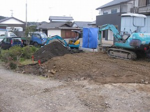 新築住宅の工事の土木工事着工