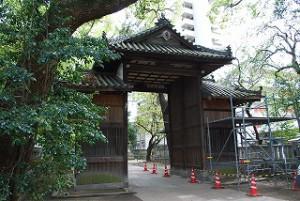 一宮神社さんの楼門