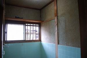 洗面脱衣室の壁塗り替え