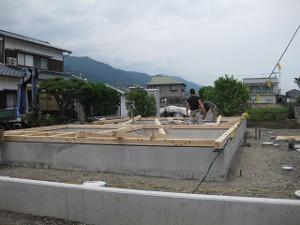新築基礎土台敷き