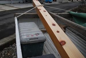 新築住宅の桧生節柱