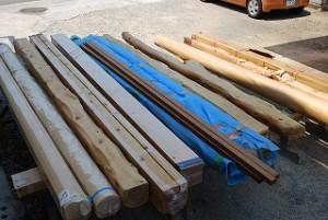 新築住宅の木材を段取り