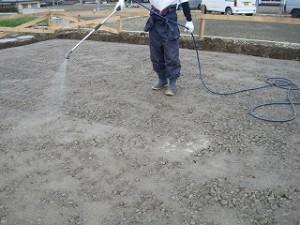 新築基礎工事の防蟻薬剤処理