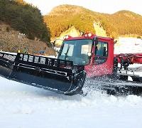 ゲレンデの圧雪車