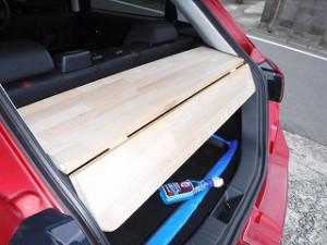 車の稼働棚板取付