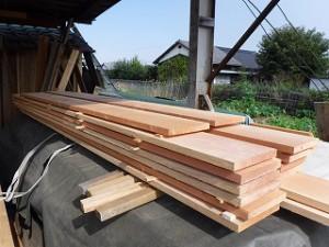 木材の自然乾燥