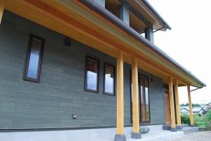和モダンの新築住宅の完成