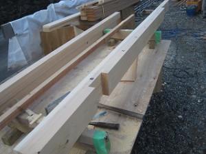 化粧木材の庇造作