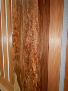 天然杉の大黒柱