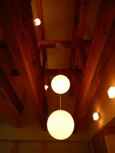 木造平屋建て瓦葺き