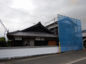 白壁塀の塗装工事