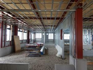 鉄骨建屋の壁・天井の軽鉄下地