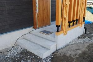 玄関土間床の左官塗り