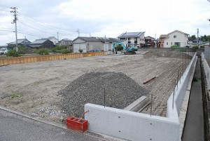 新築予定地の造成工事
