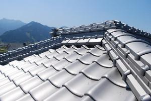 外壁塗装工事の瓦屋根点検