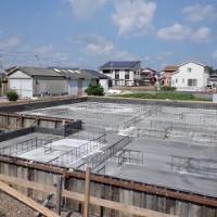 べた基礎コンクリート打設を行いました。
