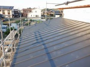 新築住宅の屋根ガルバリウム鋼板葺き