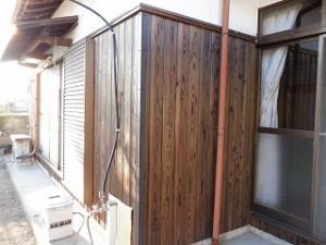 外壁腰板の焼杉板の張り替え