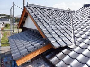 屋根瓦葺き替え工事