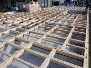 新築住宅の土台敷き