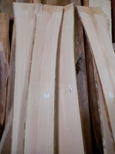 銘木材の仕入れ